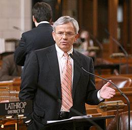 Omaha Sen. Steve Lathrop discusses LB667.