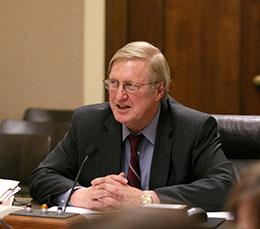 Image of Sen. Tom Carlson