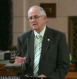Image of Sen. Bill Avery